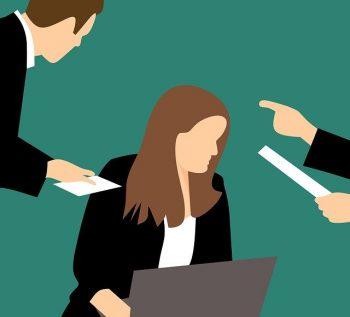 kritika a HR-rel/fejvadásszal szemben