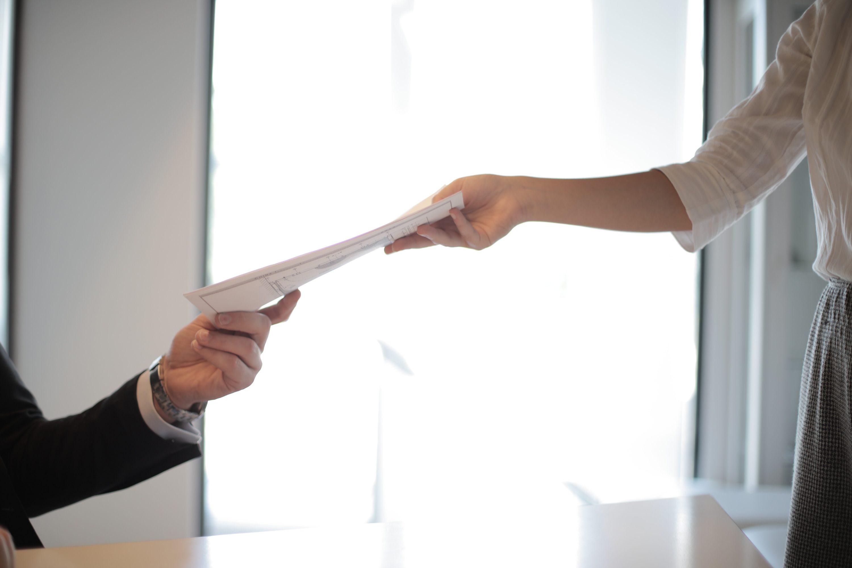 - A jó CV benyújtása az első lépés az új munkahely felé.