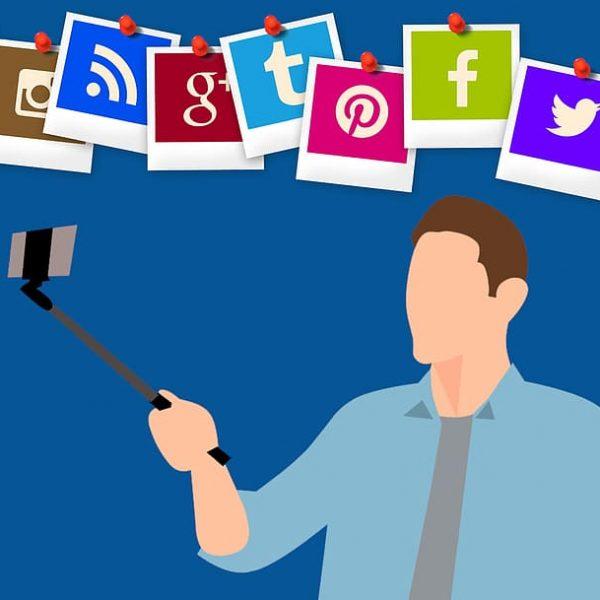 Nem szükséges minden social media elérhetőséget feltüntetni a CV-ben